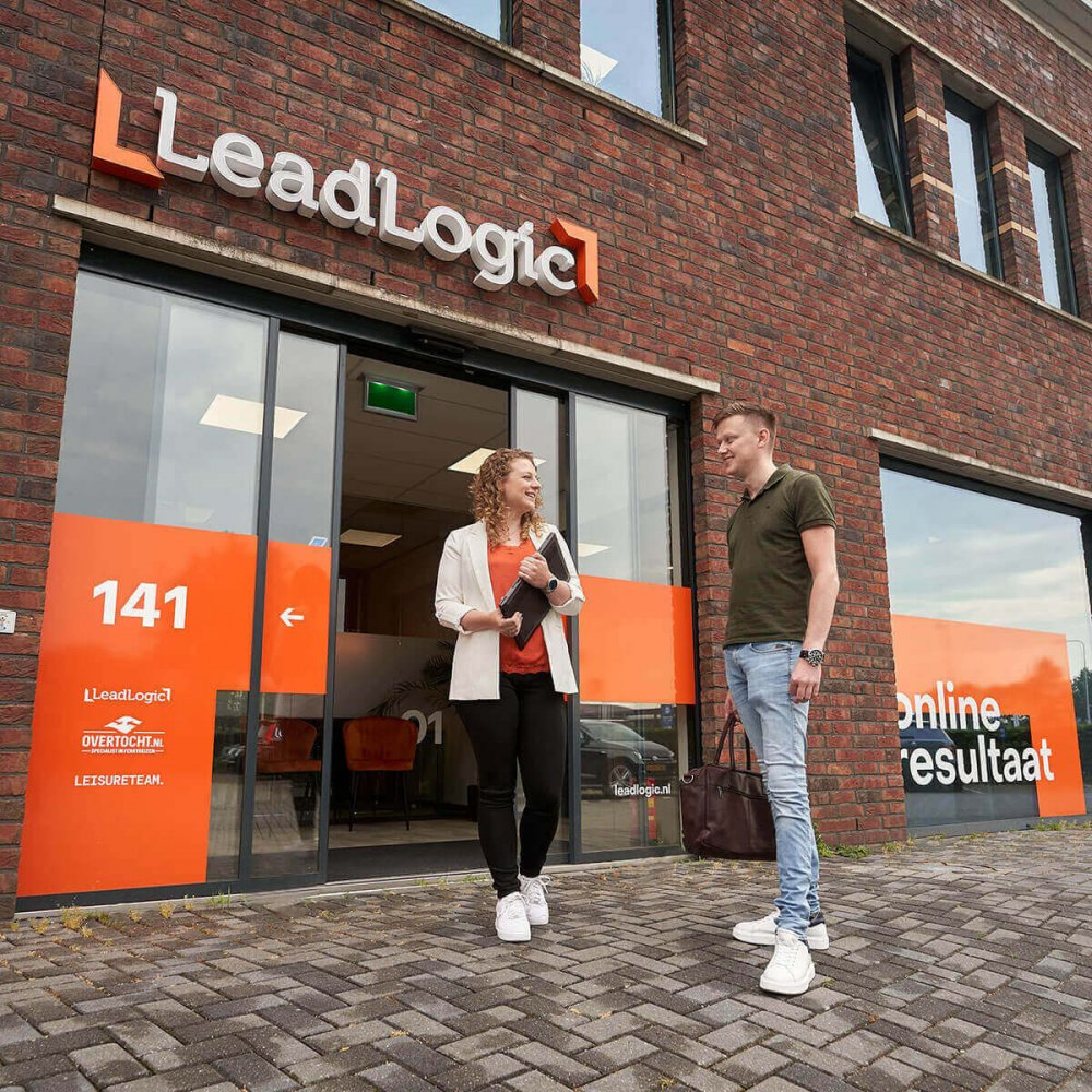 hero image_LeadLogic_online marketing
